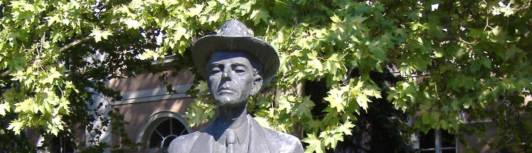 Statue_of_Béla_Bartók